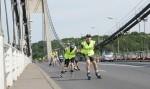 rollers sur le pont de tancarville.JPG