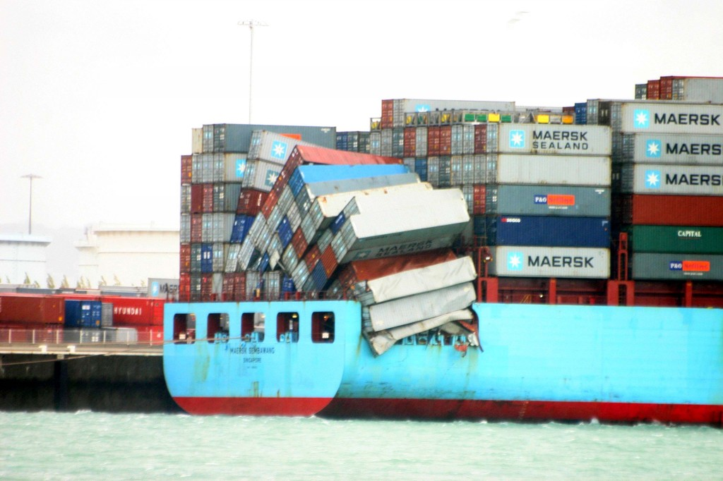 Fuyant la temp te un porte container g ant est d rout - Le plus grand porte conteneur du monde au havre ...