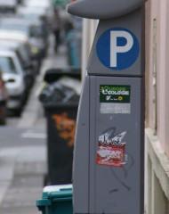 autocollants politiques pollution urbaine.JPG